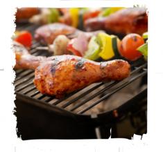 Kurczak barbecue zwarzywnymi szaszłykami
